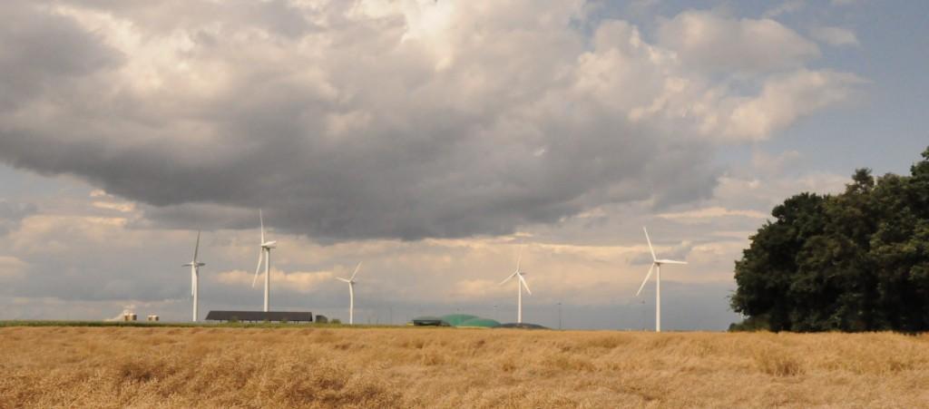 Biogasanlage mit Solar und Windkraft. Foto: Stephanie Pletsch