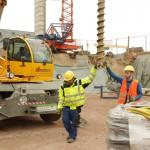 Schwere Maschinen helfen bei der Arbeit