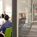 Gemeinsamer Austausch in regelmäßigen Besprechungen | Unternehmensbeispiel Greeenpeace Energy